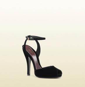 Gucci sandalia de terciopelo