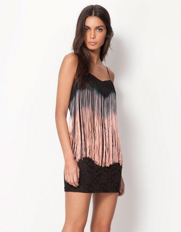 Bershka vestido encaje detalle flecos  22,99 eur