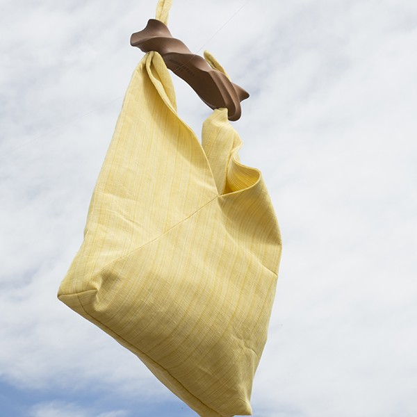 http://www.chicplace.com/es/regalos/2438-ibiza-salvaje-amarillo.html