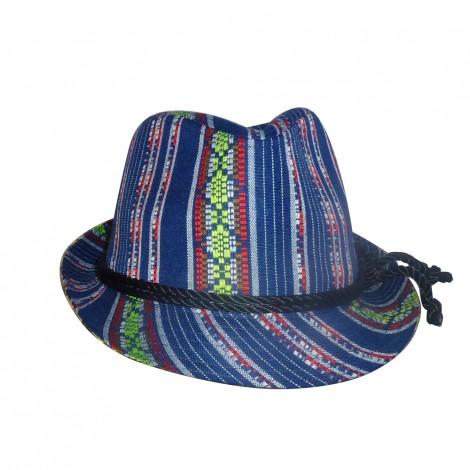http://www.chicplace.com/es/regalos/3217-sombrero-rayas-azul-rojo.html